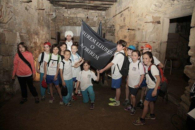 http://www.territoris.cat/articulo/comarca/l-escola-arnau-berenguer-palau-d-anglesola-visita-ruta-1714/20140411131257011373.html