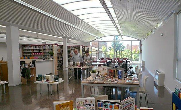 Biblioteca Joan Solà de Bell-lloc.